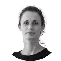 Image shows a headshot of Elisa Webber